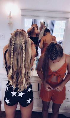 Pretty Hairstyles Short Hairstyles and Haircuts You Need All Summer Long - Fashion.Pretty Hairstyles Short Hairstyles and Haircuts You Need All Summer Long - Fashion Summer Hairstyles, Pretty Hairstyles, Easy Hairstyles, Prom Hairstyles, Volleyball Hairstyles, Fashion Hairstyles, Black Hairstyles, Cute School Hairstyles, Concert Hairstyles