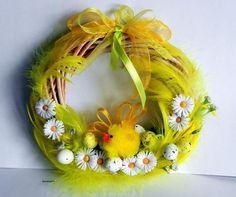 Guirlanda Páscoa ideias 11 Felt Wreath, Grapevine Wreath, Easter Crafts, Christmas Crafts, Easter Wreaths, Easter Baskets, Grape Vines, Quilling, Easter Eggs