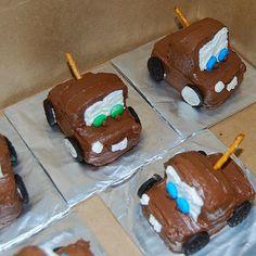 mini mater cakes