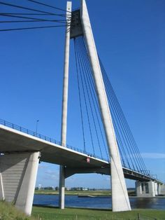 Island bridge, Kampen, Netherlands Copyright: Gert Raap