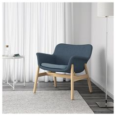 IKEA offers everything from living room furniture to mattresses and bedroom furniture so that you can design your life at home. Check out our furniture and home furnishings! Small Living Rooms, Living Room Sets, Living Spaces, Furniture Layout, Living Room Furniture, Furniture Arrangement, Ikea Armchair, Ikea Inspiration, Affordable Furniture