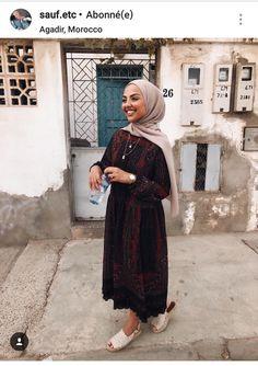 ZAFUL offers a wide selection of trendy fashion style women's clothing. Hijab Fashion Summer, Modest Fashion Hijab, Modern Hijab Fashion, Street Hijab Fashion, Hijab Fashion Inspiration, Hijab Chic, Abaya Fashion, Muslim Fashion, Modest Outfits Muslim