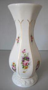 Maria Poesie Classic Rose Collection 16 cm  Photo courtesy of Ebay seller klauktionen Hurricane Glass, Vases, Ph, Porcelain, Tableware, Classic, Kitchen, Ebay, Beautiful