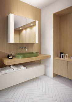 Wenn du im Bad viel mit Holz arbeiten möchtest, dann achte darauf, möglichst helles Holz zu verwenden. Anderenfalls wirkt es sehr schnell sehr drückend. Weitere Inspirationen rund ums Thema Holz im Bad unter www.wohn-dir-was.de   Bildmaterial: (c) Burgbad