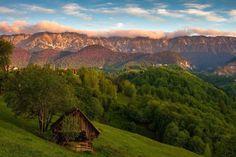 Piatra Craiului Mountains .