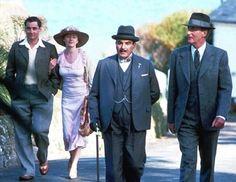 Image detail for -Le détective belge Hercule Poirot est envoyé par son médecin dans un centre de cure du Devon, pour perdre quelques kilos. Hastings décide de l'accompagner, afin ...