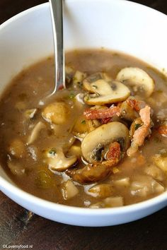 Mushroom Soup with postage and bacon bits - Lovemyfood. I Love Food, Good Food, Yummy Food, Soup Recipes, Cooking Recipes, Healthy Recipes, Tapas, Happy Foods, Soup And Salad
