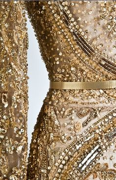 Elie Saab.. Gold, beautiful, details.. Want!