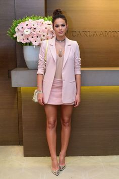 blush blazer & miniskirt, mocha bodysuit, deeply tanned skin, dark hair done up, gold pointilettos Blazer Outfits, Chic Outfits, Spring Outfits, Fashion Outfits, Womens Fashion, Mode Outfits, Summer Outfit, Work Fashion, Fashion Looks