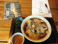 きのこ蕎麦いただきます (ノ・ˇ∀ˇ・)ノおぉ♪ きのこ好きにはタマランわい〜 (๑´ڡ`๑)ぺろり やっぱり信州そば、いいね!