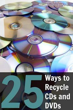 We've rounded up 25 incredible DIY crafts and activities that will make you rethink the average disk. Click through each link below and be inspired!Got a stash of old CDs or DVDs that you can't bear to toss? Here are 25 fun ways to craft with them! Cd Diy, Old Cd Crafts, Crafts To Make, Cd Case Crafts, Diy Crafts With Cds, Recycled Cds, Recycled Crafts, Cd Recycling, Cd Project