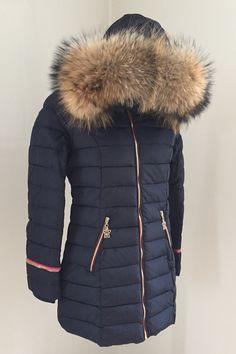 3c58a997 Lux Pisa Jakke i Navy - Flot halv lang vinter jakke, med mange detaljer og