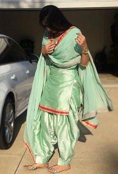 Silk kameez punjabi patiala salwar party wear indian pakistani stitched suit m l clothing. Indian Suits Punjabi, Punjabi Suit Simple, Punjabi Suits Party Wear, Salwar Suits Simple, Punjabi Salwar Suits, Indian Salwar Kameez, Salwar Kurta, Punjabi Girls, Yellow Punjabi Suit