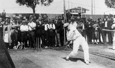 Western Australia Cricket Association Ground in January 1930.Don Bradman plays his first game in Western Australia.A large crowd watches him at net practice and 47 200 attended the match.   🌹
