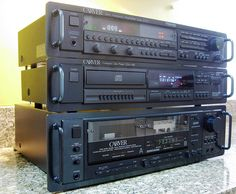 The Carver Family Vintage Audio Love Carver Amplifier, Diy Amplifier, Hi Fi System, Audio System, Hifi Turntable, Hifi Audio, Audiophile Music, Audio Player, Sound & Vision