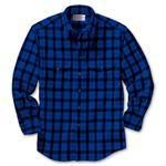 The iconic Filson Alaskan Guide Shirt. Our men's shirt is made with medium-weight, breathable cotton flannel that's wind resistant and brushed for soft comfort against the skin. A true all-purpose flannel shirt. My Life Style, Guy Style, Aviator Jackets, Looks Cool, Business Fashion, Flannel Shirt, Branded T Shirts, Men Casual, Mens Fashion
