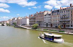 Le Vaporetto sur la Saône qui relie Confluence à Bellecour via St-Paul | Flickr: partage de photos!