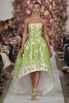 Oscar de la Renta RTW Spring 2015 - Slideshow - Runway, Fashion Week, Fashion Shows, Reviews and Fashion Images - WWD.com