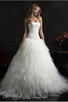 Ausgefallenes Hochzeitskleid in Allen Stile