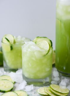 Cucumber Vodka Soda mean, it's like we're drinking SALAD. It's so green that I feel healthier just looking at it. I love cocktails with a hint of cucumber. Limoncello Cocktails, Cocktails Champagne, Cocktail Drinks, Cocktail Recipes, Alcoholic Drinks, Beverages, Margarita Recipes, Jalapeno Margarita, Cocktail Ideas