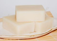 Simple Starter Soap with Lard  This basic soap recipe, like the one above, is also a great one for those who are new to soap making.   Coconut Oil  -  225 gr.  |  7.9 oz.  |  25% Lard  -  180 gr.  |  6.3 oz.  |  20% Olive Oil  -  450 gr.  |  15.9 oz.  |  50% Castor Oil  -  45 gr.  |  1.6 oz.  |  5% Distilled Water  -  297 gr.  |  10.5 oz.  Lye  -  126.7 gr.  |  4.5 oz.  Water as % of Oils = 33 Super Fat/Discount = 5%