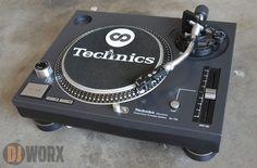Technics sl-700 Turntable.