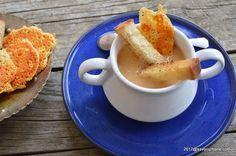 Supa de cascaval cu crutoane crocante