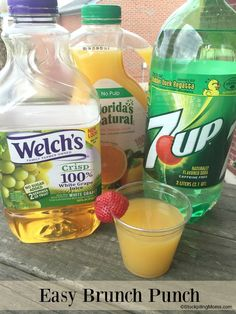 Easy Brunch Punch - Only 3 ingredients and a hit every time! I am in love with this easy brunch punch recipe. It is so simple to prepare! I made this recently for a brunch that I hosted at my house and all of the Moms that Non Alcoholic Drinks, Fun Drinks, Yummy Drinks, Cocktails, Brunch Punch Non Alcoholic, Beverages, Drinks Alcohol, Brunch Drinks, Alcohol Recipes