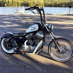 motorcycles and scooter Triumph Motorcycles, Sportster Motorcycle, Bobber Bikes, Cool Motorcycles, Vintage Motorcycles, Hd Sportster, Girl Motorcycle, Motorcycle Quotes, Moto Bike