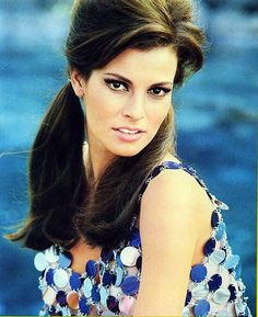 Raquel Welch,  1970's. style.