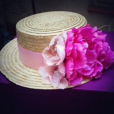 Amaya estará fantástica este sábado en la boda de su hermano con el #canotier de flores by @nilataranco    #canotierdeflores #lookdeinvitada #invitadaperfecta #weddinginspiration #handmade #handmade #hat