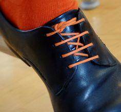 """Schnürsenkel Socken Set : Style-Set Loco!Laces """"Orange"""": runde, bunte, gewachste Schnürsenkel mit farblich abgestimmten Socken für Herren Business Schuhe, in verschiedenen Farben erhältlich: Amazon.de: Schuhe & Handtaschen"""