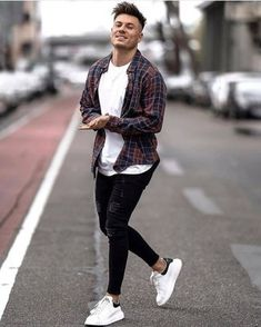 Casual street style outfit for men. Cool Outfits For Men, Summer Outfits Men, Stylish Mens Outfits, Summer Men, Hipster Outfits Men, Summer Clothes For Men, Man Style Summer, Mens Fashion Outfits, Stylish Clothes For Men