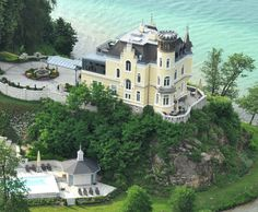 Reifnitz am Wörthersee Mansions, Country, House Styles, Beautiful, Home Decor, Luxury Villa, Log Home, Detached House, Architecture