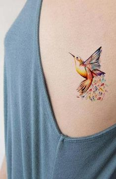 Watercolor Hummingbird Side Rib Tattoo ideas for Women Body Art Tattoos, New Tattoos, Tattoos For Guys, Sleeve Tattoos, Cool Tattoos, Classy Tattoos For Women, Tatoos, Tattoo Sleeves, Trendy Tattoos