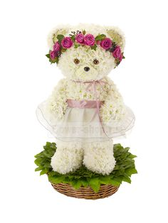 Cute bear made with fresh flowers Unique Flower Arrangements, Funeral Flower Arrangements, Funeral Flowers, Beautiful Bouquet Of Flowers, Unique Flowers, Handmade Flowers, Fresh Flowers, Arte Floral, Flower Crafts