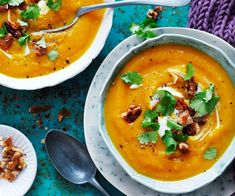 Creamy pumpkin soup with an added walnut crunch. Perfect for lunch or a light dinner. And it's suitable for diabetics. Creamy pumpkin soup with an added walnut crunch. Perfect for lunch or a light dinner. And it's suitable for diabetics. Roast Pumpkin Soup, Creamy Pumpkin Soup, Pumpkin Vegetable, Vegetable Curry, Vegetable Soups, Easy Soup Recipes, Cooking Recipes, Kiwi Recipes, Easy Cooking