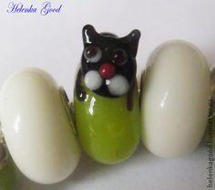 Жил да был чёрный кот...Браслет Пандора ок4. Чёрный котик -милый малыш! Бусина высокого качества, очень мелкие детали, а котик как живой!  Браслет в стиле Пандора. Бусины Лэмпворк High quality (высокого качества) . Металлические бусины цинковый сплав не содержит свинца,…