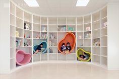 88 Cute Kindergarten Design Ideas Every Kids Will Love - Kindergarten Interior, Kindergarten Design, Kids Library, Library Design, Photo Library, Kids Play Area, Kids Room, Kids Cafe, Hospital Design