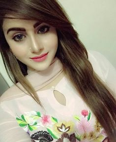 Crazy Girls, Girls In Love, Amazing Dp, Very Pretty Girl, Punjabi Girls, Stylish Dpz, Bollywood Girls, Beauty Around The World, Stylish Girl Pic