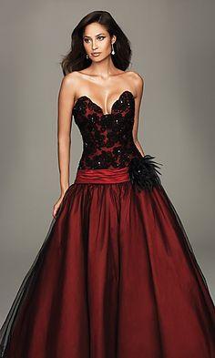 I love the drop waist on this dress.