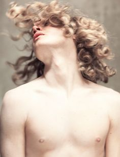 male model Matthew Cunningham by Cecile Harris for Boys by Girls (guys, long hair, curly) Knight Of Flowers, Beyonce, Beautiful Men, Beautiful People, Achilles And Patroclus, Jean Valjean, Peinados Pin Up, Dorian Gray, Victor Hugo