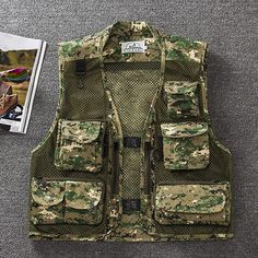 46f29a7164e42 Summer Autumn Men Fishing Vest Multifunctional Quick Drying Fly Fishing Vest  Jacket Loose Outdoor Photography Camouflage Coats-in Fishing Vests from  Sports ...