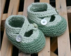 Saartjes Bootees from Knitting Bee. Free knitting pattern for baby booties. Baby Knitting Patterns, Baby Patterns, Free Knitting, Crochet Patterns, Doll Patterns, Baby Booties Free Pattern, Knit Baby Booties, Booties Crochet, Knit Baby Shoes