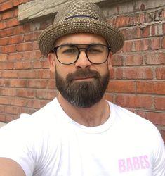 Super sexy and adorable full bearded w/a Porkpie Hat! Different Beard Styles, Beard Styles For Men, Hair And Beard Styles, Scruffy Men, Hairy Men, Handsome Man, Brown Beard, Great Beards, Beard Love
