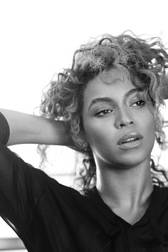 Beyoncé photographed by Paola Kudacki for ELLE Magazine - May 2016