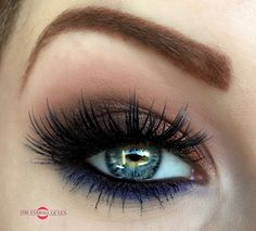 The Eyeball Queen: Transition Into Autumn: Shimmering Rust With A Pop of Navy Makeup Tutorial