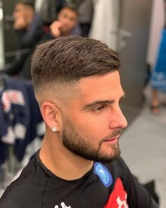 Taper Fade with short hairstyle - Short Haircuts For Men - Mens Hairstyles Fade, Side Swept Hairstyles, Cool Hairstyles For Men, Haircuts For Men, Hairstyle Ideas, Mens Fade Haircut, Men's Haircuts, Men Haircut Short, Short Hairstyles For Men