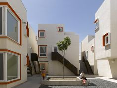 Centre Village / 5468796 Architecture + Cohlmeyer Architecture Limited, © James Brittain Photography