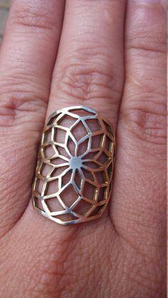 Flor de aro en bronce sólido decágono de geometría por KIANZO